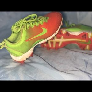 Girl cleats